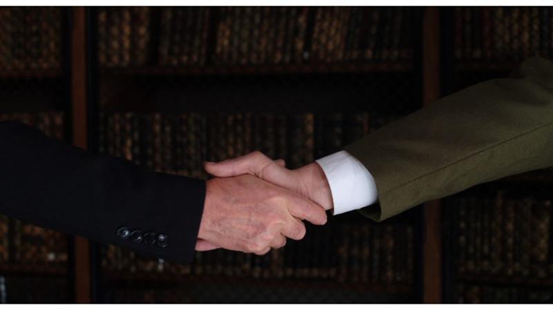 Photo du court métrage Une poignée de main historique